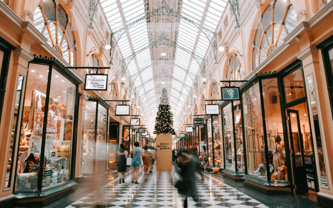 How two-way radios can help your retail staff this Christmas